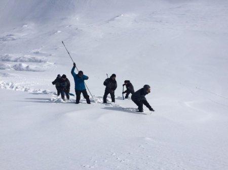 Qərargah: Alpinistlərin hərəkət marşrutu və ehtimal olunan digər ərazilər yoxlanılıb