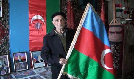 Masallının Xırmandalı kəndindəki muzeydə Şuşa şəhər qərargahından götürülmüş Azərbaycan bayrağı qorunur