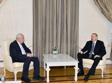 Prezident İlham Əliyev Fələstinin xarici işlər nazirini qəbul edib
