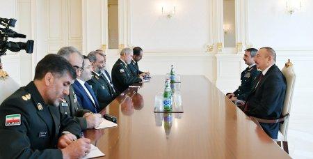 Prezident İlham Əliyev İranın Sərhəd Qoşunları komandanının rəhbərlik etdiyi nümayəndə heyətini qəbul edib