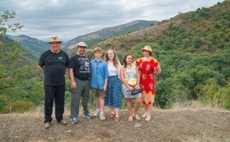 Turistlər Masallının İsti su turizm və istirahət mərkəzində