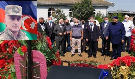 Qafqaz Müsəlmanları İdarəsinin sədri şəhid Anar Novruzovun məzarını ziyarət edib