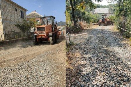Tüklə ərazisinin Məmmədoba kəndində yollar təmir edilir