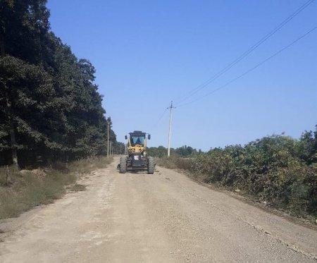 Hüseynhacılı kəndində mərkəzi yol təmir edilib