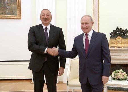 Prezident İlham Əliyev rusiyalı həmkarı ilə görüşüb
