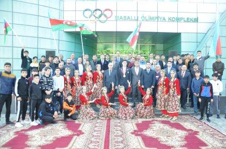 """""""Tokio-2020"""" Yay Paralimpiya Oyunlarının çempionu Vəli İsrafilov Masallıda"""
